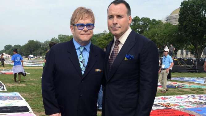 Sir Elton John (l) und David Furnish. Foto: Michael Reynolds