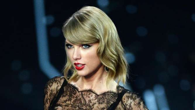 Taylor Swift auf dem Laufsteg bei der Victoria&#39s Secret Fashion Show in London, Foto: Facundo Arrizabalaga