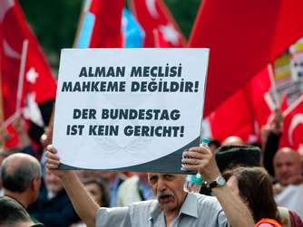 Demo gegen Armenien-Resolution