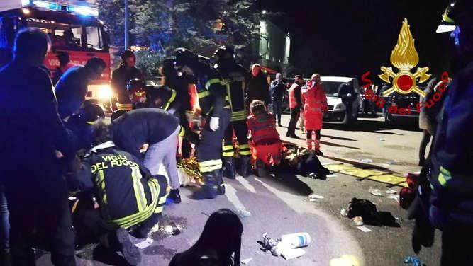 Italien Sechs Tote bei Massenpanik in Disco