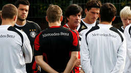 WM 2010: DFB-Stars in kugelsicheren Westen?