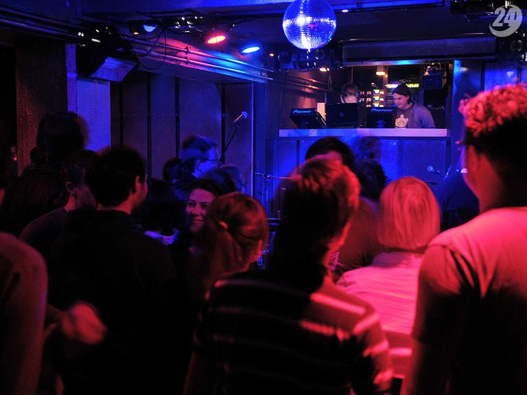 /treffpunkte/profil/id,39/club-metropolitain/fotos/album_id,535552/anzeigen/photo_id,6274748