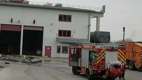 Brandalarm in Müllumladestation
