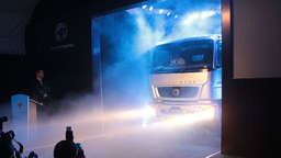 """Made in India"" - Truck von Bharatbenz"