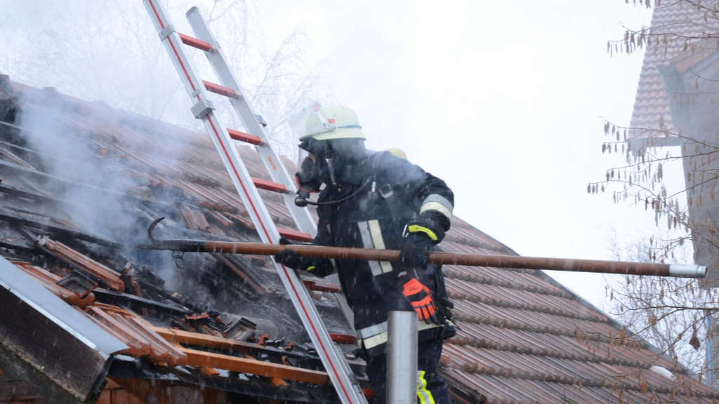 Hüttenbrand in Tacherting