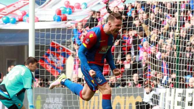 Connor Wickham köpfte Crystal Palace ins FA-Cup-Finale. Foto: Sean Dempsey