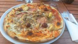 "Die Pizzeria ""Tocco Rosso"" in Amerang"