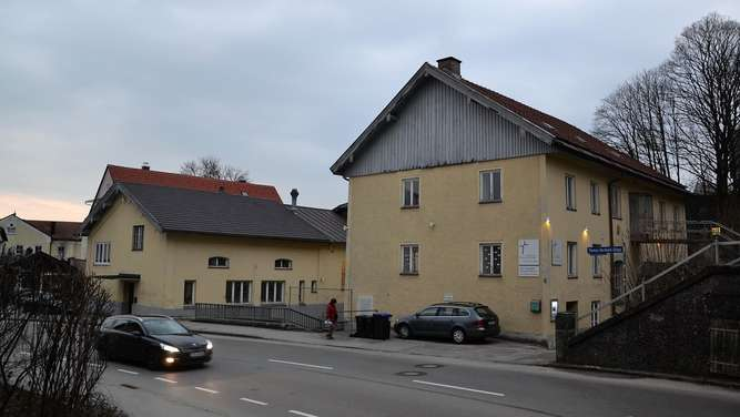 Parkhaus Klosterberg Traunstein Evangelische Freikirche E Werk  Elektrizitätswerk Neubau Abriss Klosterkirche Parken Parkplätze