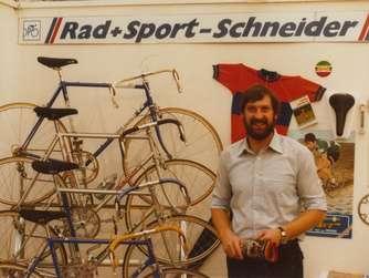 Robert Schneider hat den Betrieb 1978 gegründet - zunächst in einer Garage.