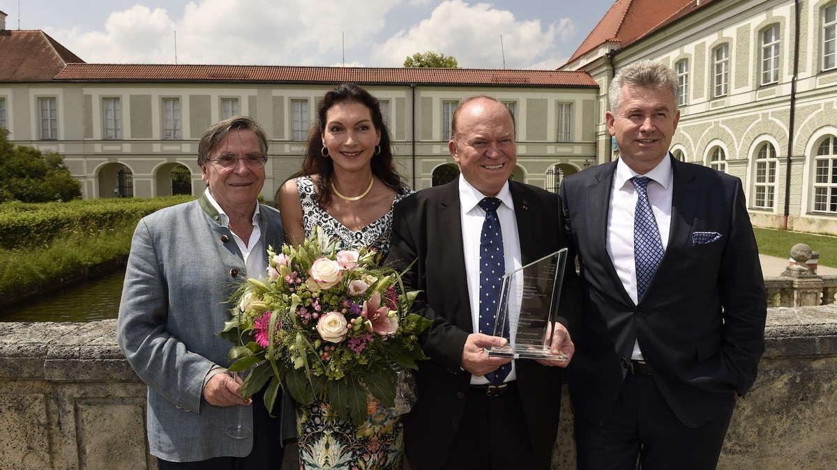 Aschau im Chiemgau: Sternekoch Heinz Winkler mit Initiativpreis ...