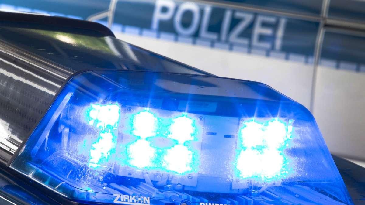 Traunreut: Verkehrsunfallflucht in Traunwalchen - Dachrinne beschädigt | Traunreut - chiemgau24.de