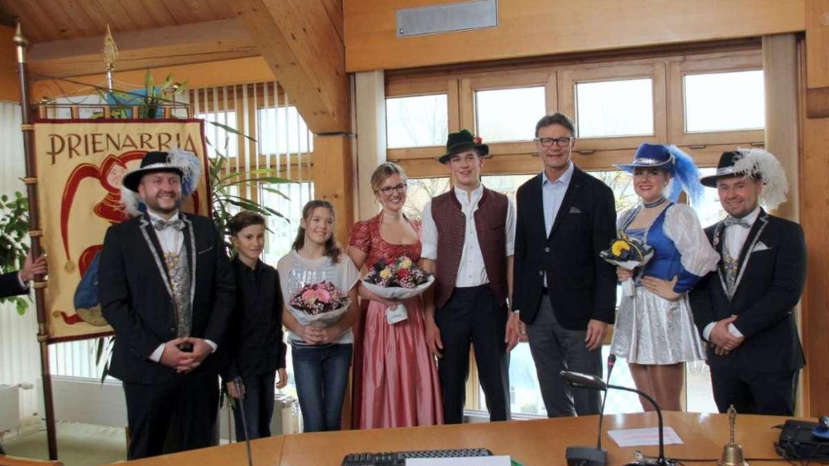 Prien am Chiemsee: Fasching: Prinzenpaare der Faschingsgesellschaft Prienarria vorgestellt | Fasching - chiemgau24.de