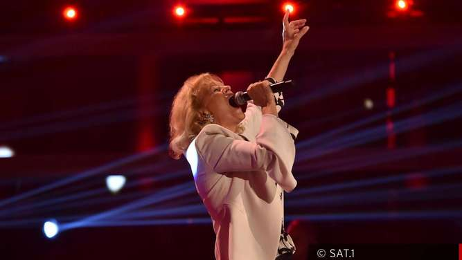 The Voice Senior: Eva Norel (67) aus Gstadt am Chiemsee begeistert alle Coaches